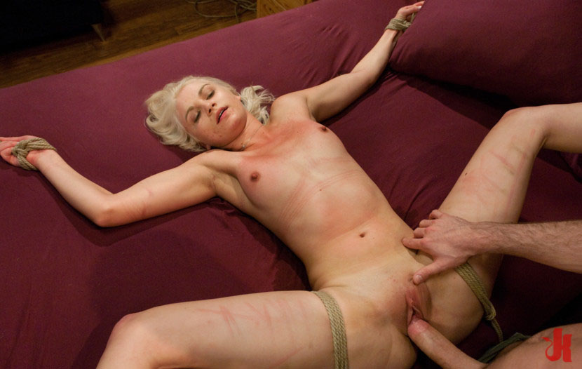 Sex And Submission - Submissive Blonde Gets Her Pussy -3730